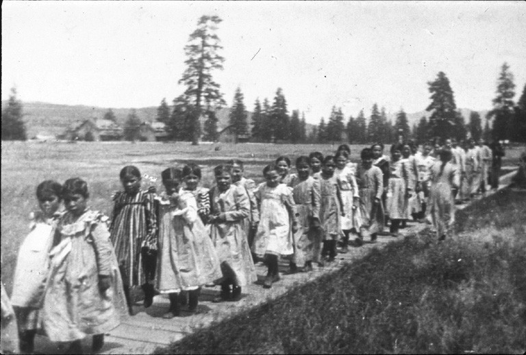 native american boarding schools While boarding schools were important, many indian students in wisconsin and other states attended government-run day schools.